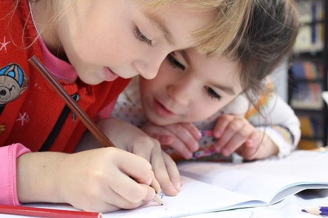 Kinderen uit het basis en voortgezet onderwijs