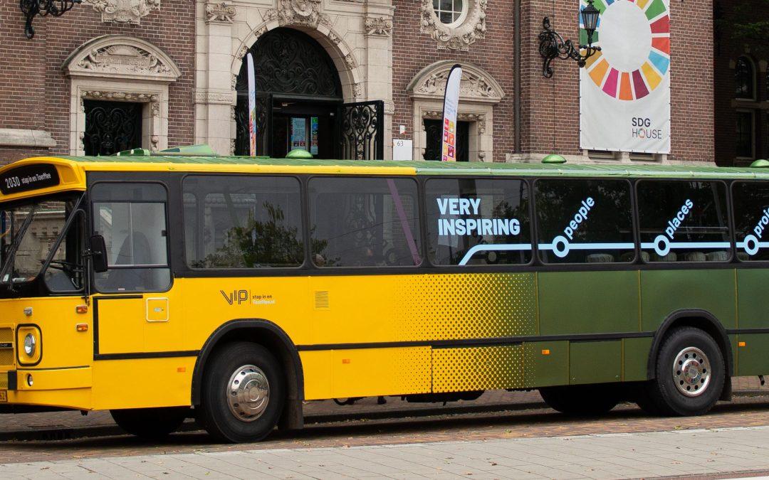 ToerMee-bus brengt Duurzame Ontwikkelingsdoelen naar Leeuwarden
