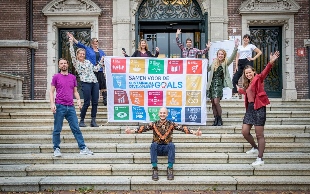 Organisaties hijsen bijna 1.000 vlaggen voor Sustainable Development Goals